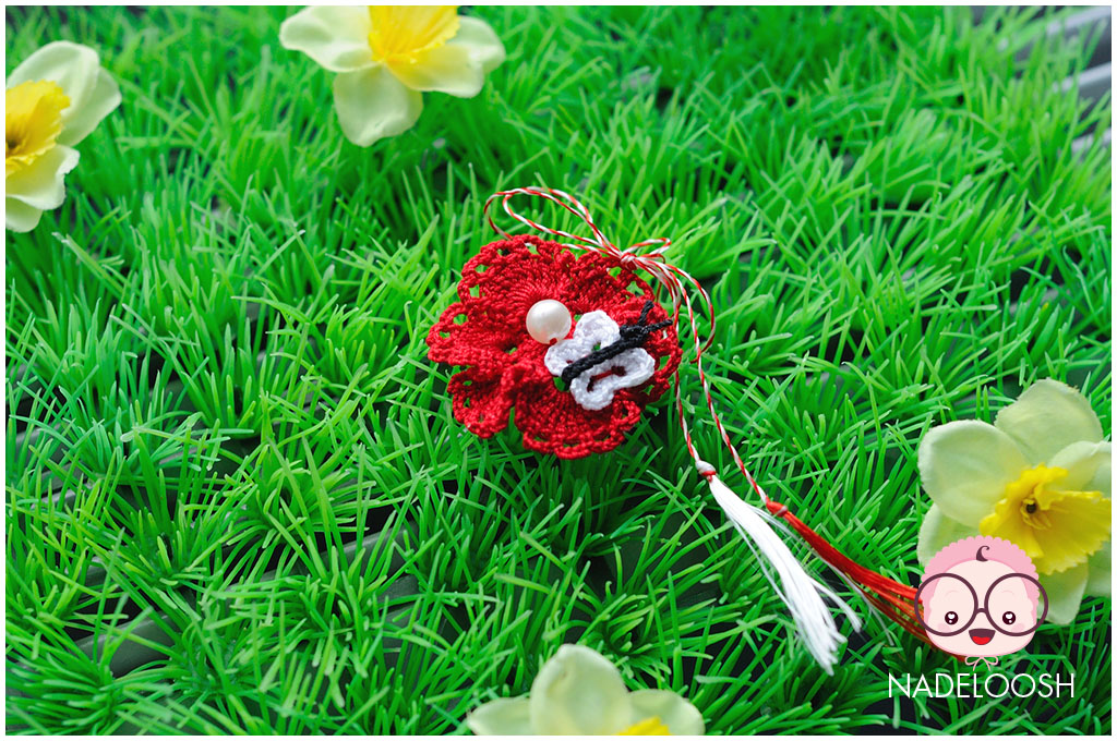 martisor-fluturas-alb-floare-rosie-perluta